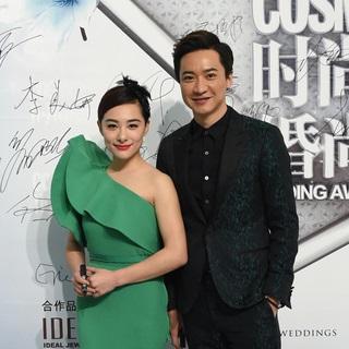 恭喜摩卡新人刘璇王弢夫妇结婚一周年之际获得2014《时尚新娘》婚尚盛典幸福偶像大奖